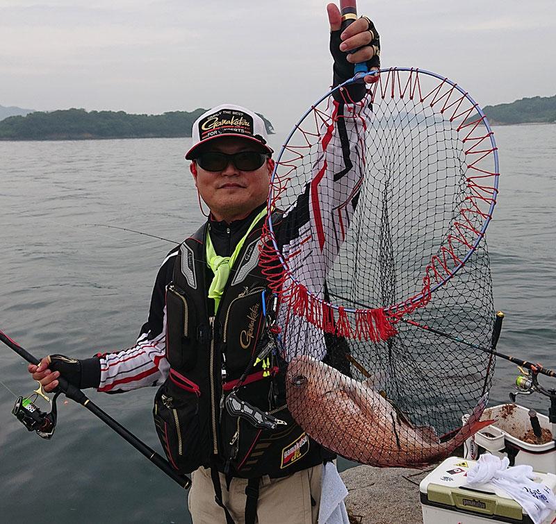 小豆島 真鯛を釣った藤さん